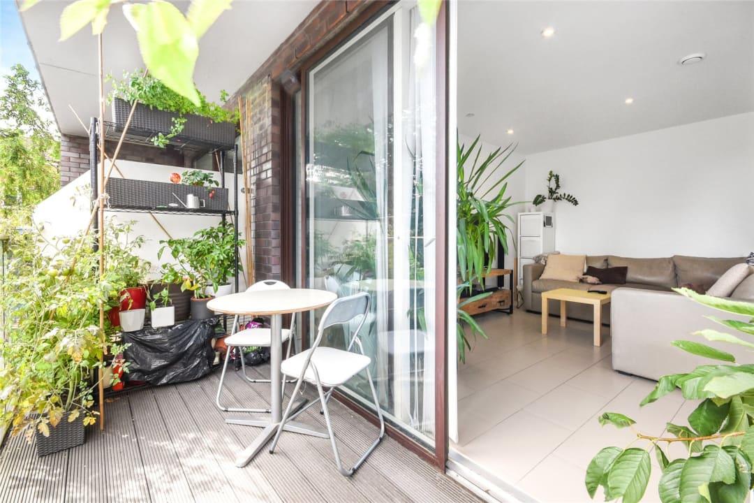 Flat for sale in Steedman Street, London, SE17 3AF - view - 5