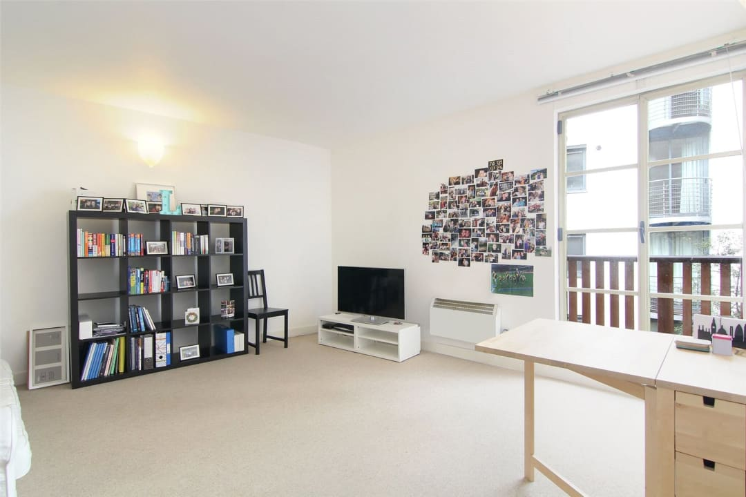 Flat for sale in The Circle, Queen Elizabeth Street, SE1 2JJ - view - 1