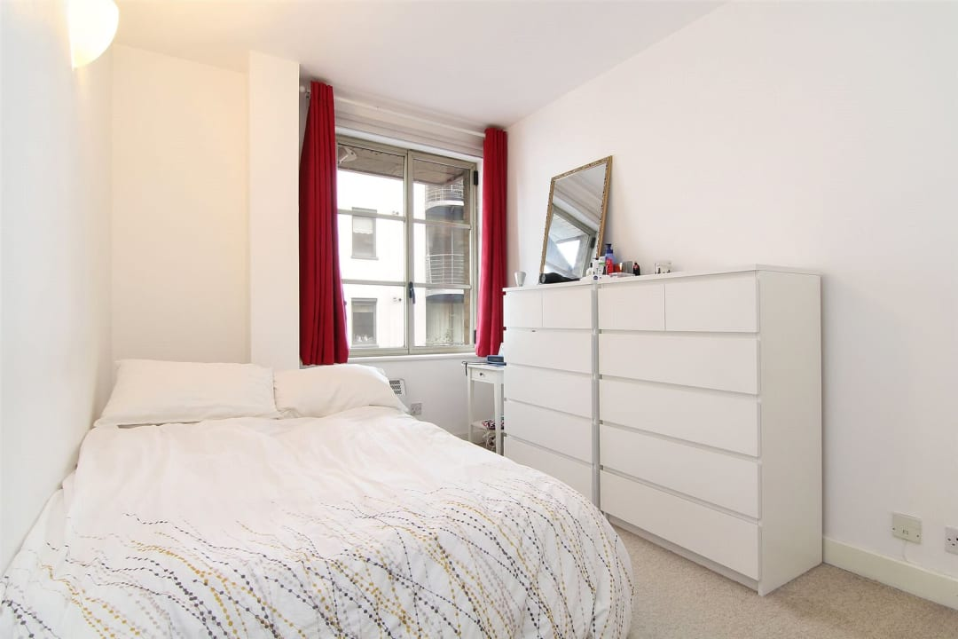 Flat for sale in The Circle, Queen Elizabeth Street, SE1 2JJ - view - 4