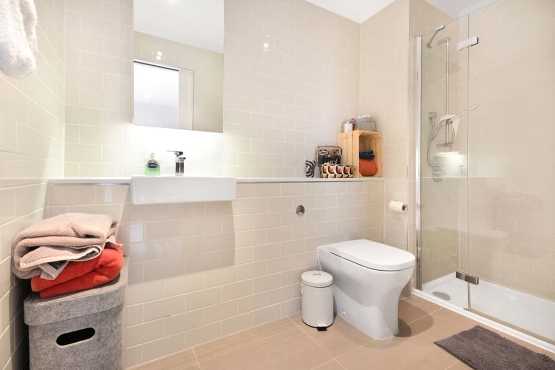 Flat for sale in Victory Place, Elephant and Castle, SE17 1PG - view - 11
