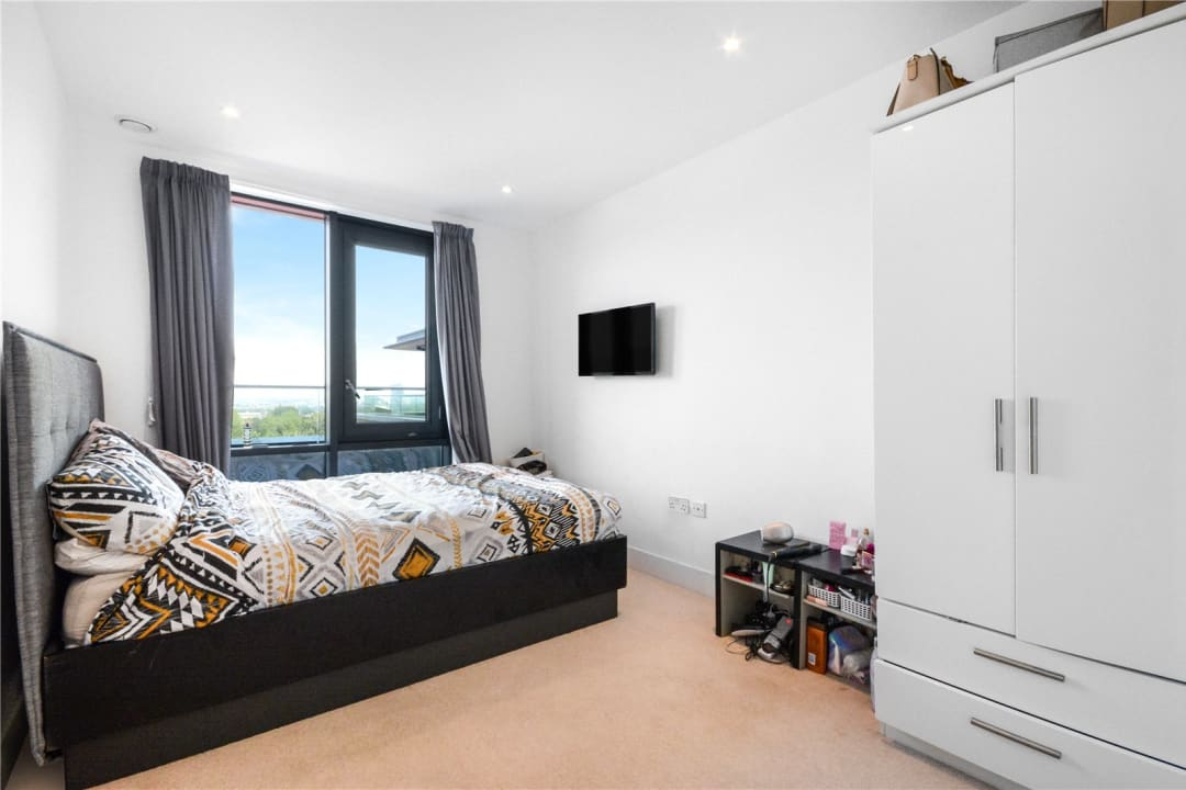 Flat for sale in Wagtail Court, 34 Pipit Drive, SW15 3BF - view - 6