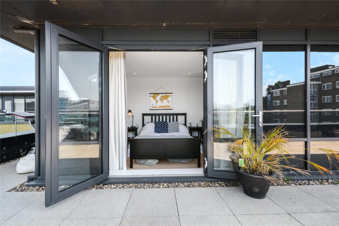 Flat for sale in Wagtail Court, 34 Pipit Drive, SW15 3BF - view - 5