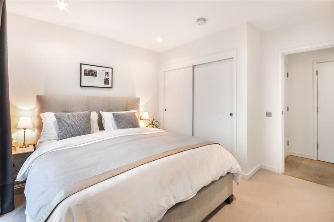Flat for sale in Walworth Road, Elephant and Castle, SE1 6EG - view - 6