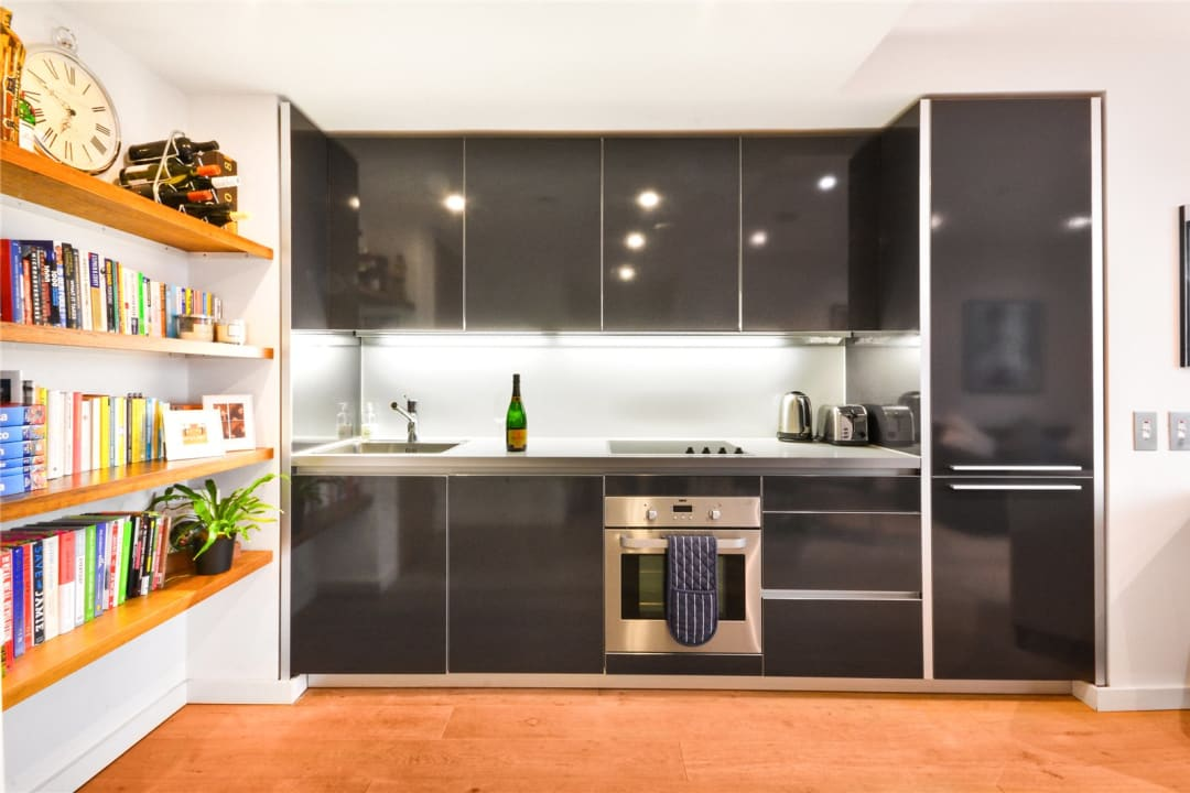 Flat for sale in Walworth Road, Elephant and Castle, SE1 6EG - view - 8
