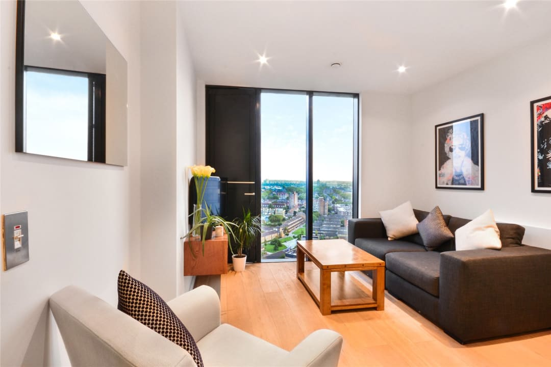 Flat for sale in Walworth Road, Elephant and Castle, SE1 6EG - view - 1
