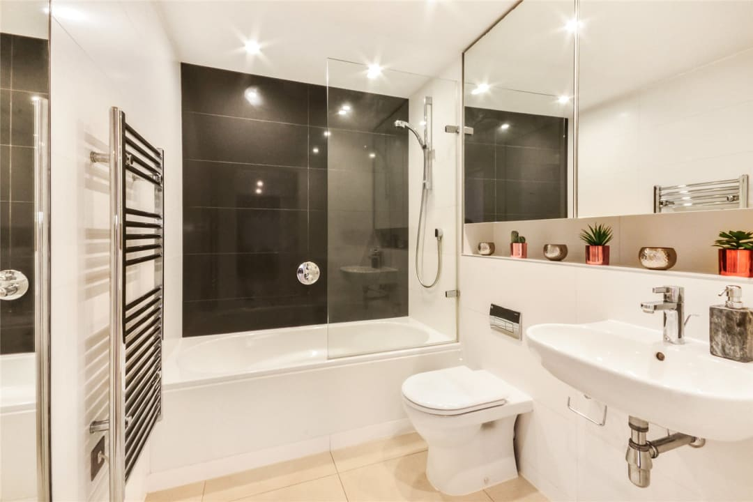 Flat for sale in Walworth Road, Elephant and Castle, SE1 6EG - view - 5