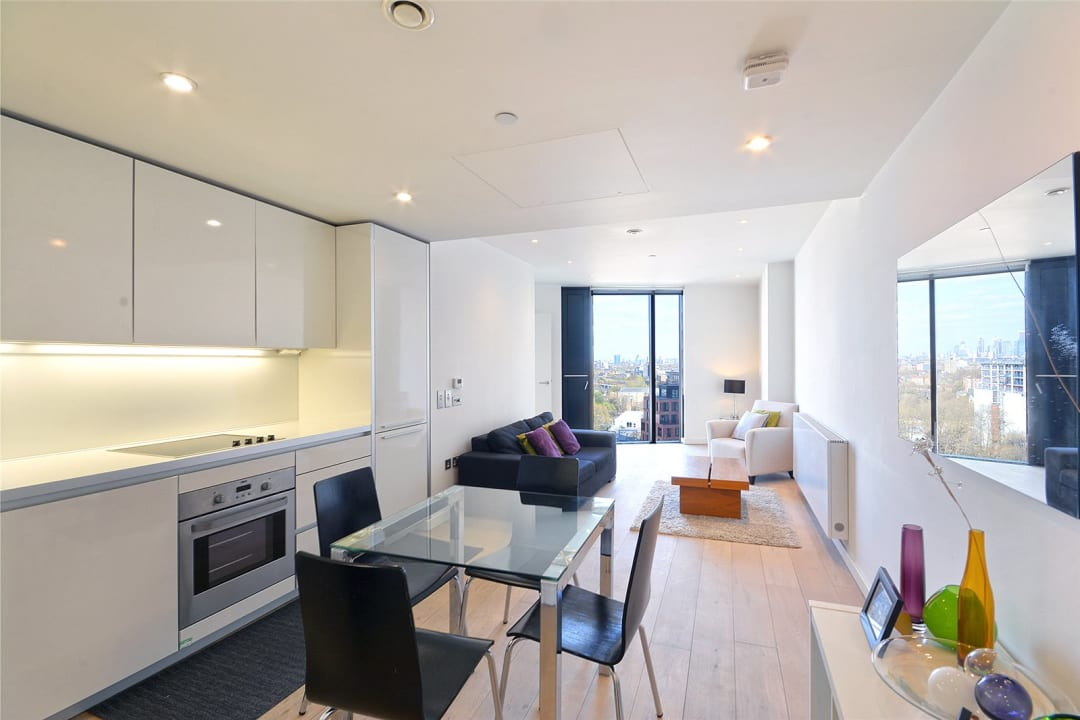 Flat for sale in Walworth Road, Elephant and Castle, SE1 6EG - view - 3