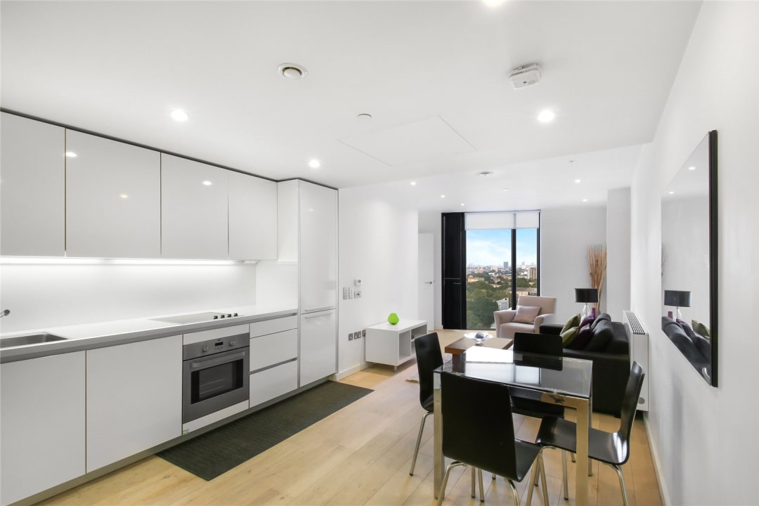Flat for sale in Walworth Road, Elephant and Castle, SE1 6EG - view - 4