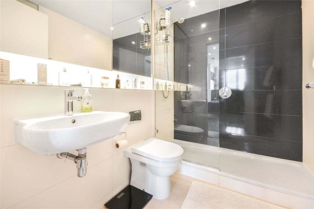 Flat for sale in Walworth Road, London, SE1 6EG - view - 5
