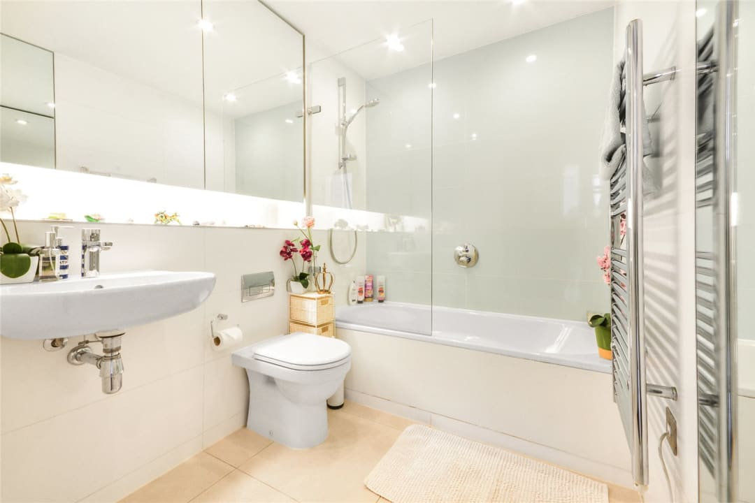 Flat for sale in Walworth Road, London, SE1 6EG - view - 9