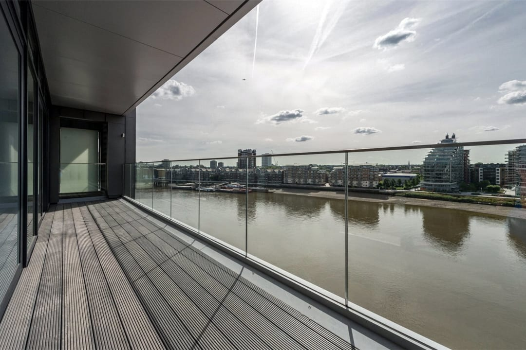 Flat for sale in Westbourne Apartments, 5 Central Avenue, SW6 2GP - view - 1