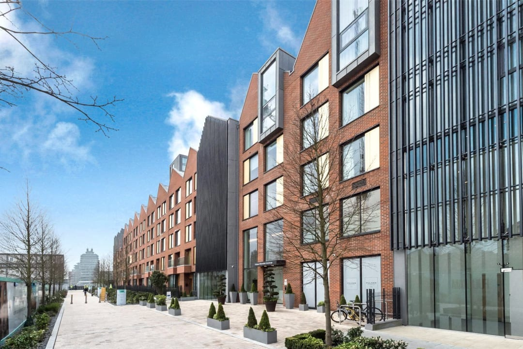 Flat for sale in Westbourne Apartments, 5 Central Avenue, SW6 2GP - view - 13
