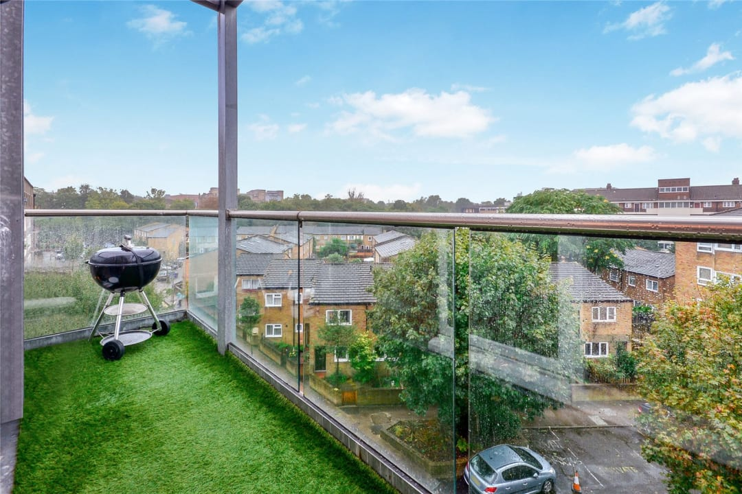 Flat for sale in Wynter Street, , SW11 2QN - view - 4