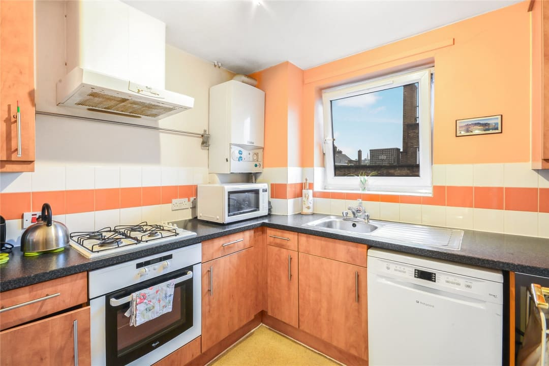 Flat for sale in Wynter Street, , SW11 2QN - view - 5
