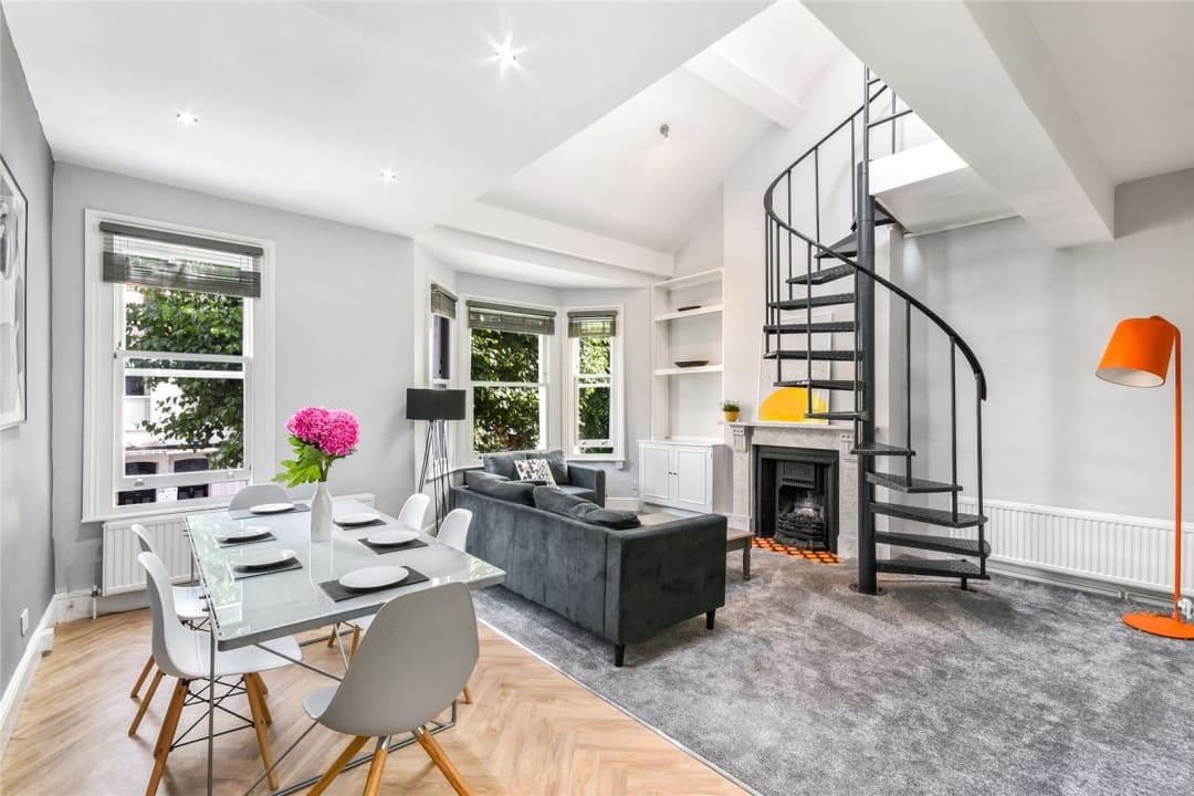 Flat to rent in Bramfield Road, London, SW11 6PZ - view - 1