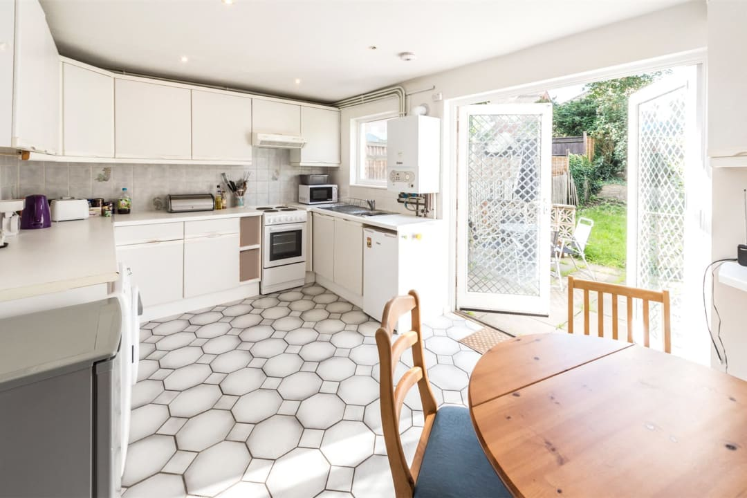 House to rent in Chale Road, London, SW2 4JB - view - 3