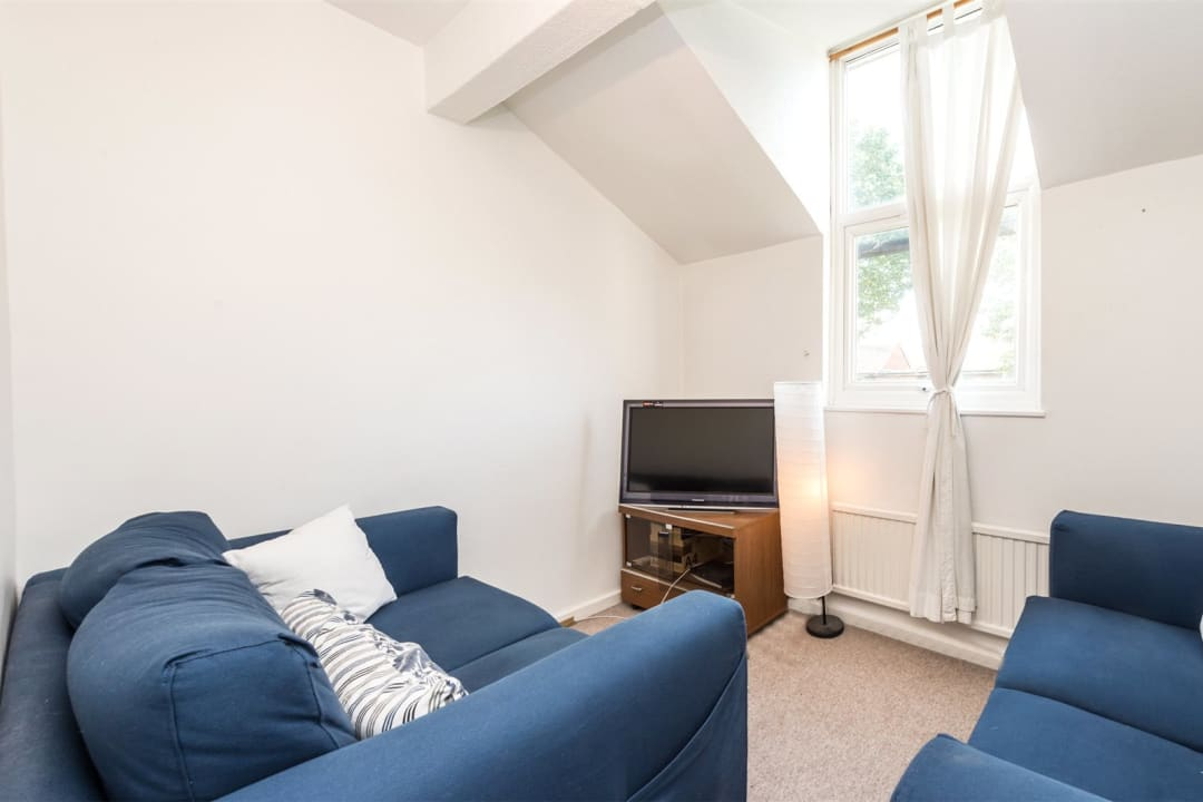House to rent in Chale Road, London, SW2 4JB - view - 2