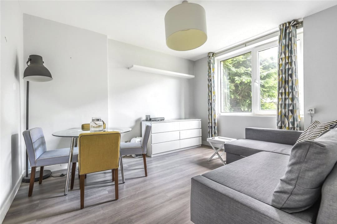 Flat to rent in Chalmers House, York Road, SW11 3QT - view - 1