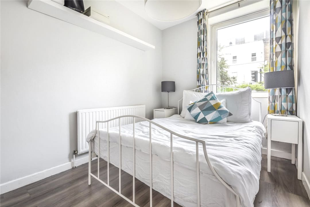 Flat to rent in Chalmers House, York Road, SW11 3QT - view - 3