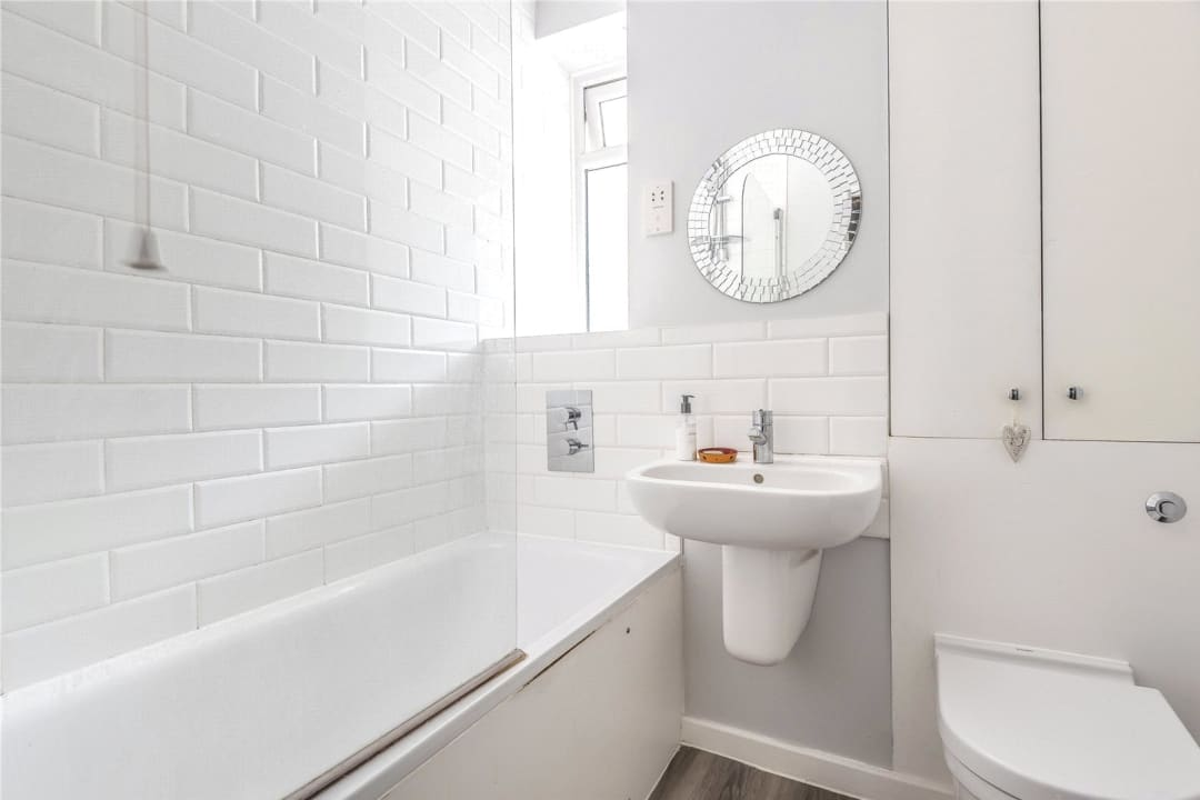 Flat to rent in Chalmers House, York Road, SW11 3QT - view - 4