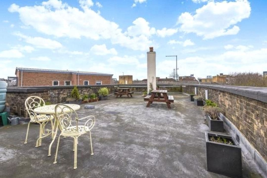 Flat to rent in Chalmers House, York Road, SW11 3QT - view - 5