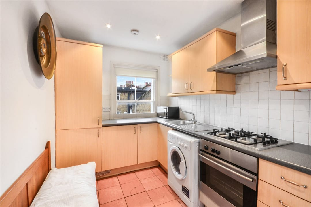 Flat to rent in Clapham Common West Side, London, SW4 9BA - view - 2