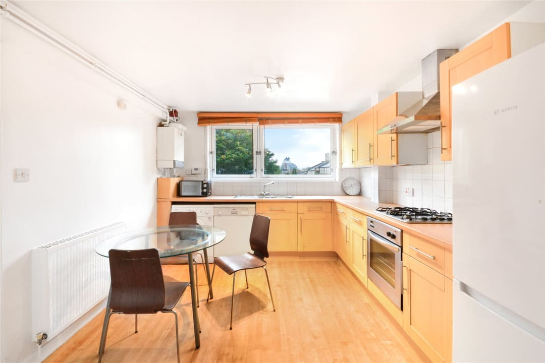 Maisonette to rent in East Hill, London, SW11 2RA - view - 3