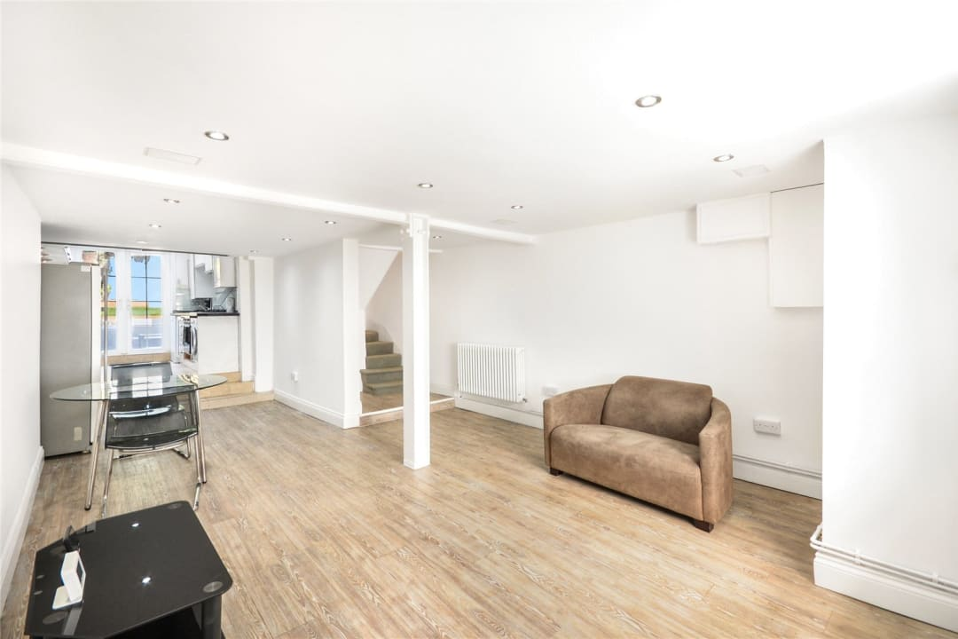 House to rent in Este Road, , SW11 2TL - view - 3