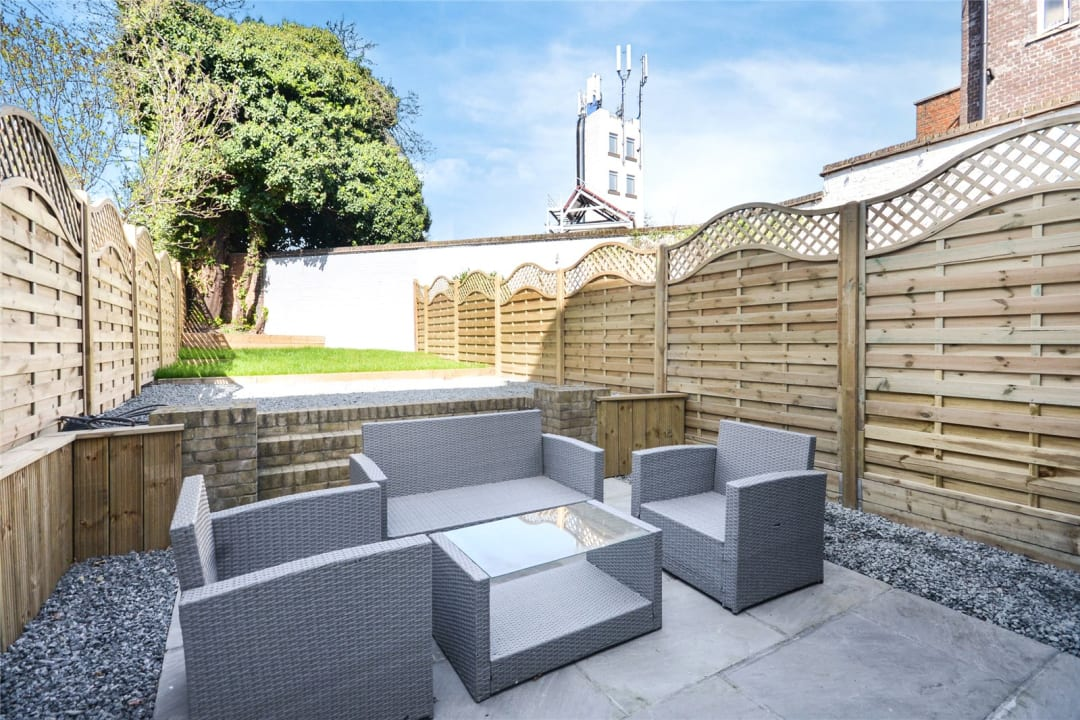 House to rent in Este Road, , SW11 2TL - view - 1