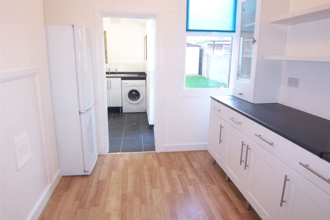 House to rent in Fairview Road, Norbury, SW16 5PY - view - 5