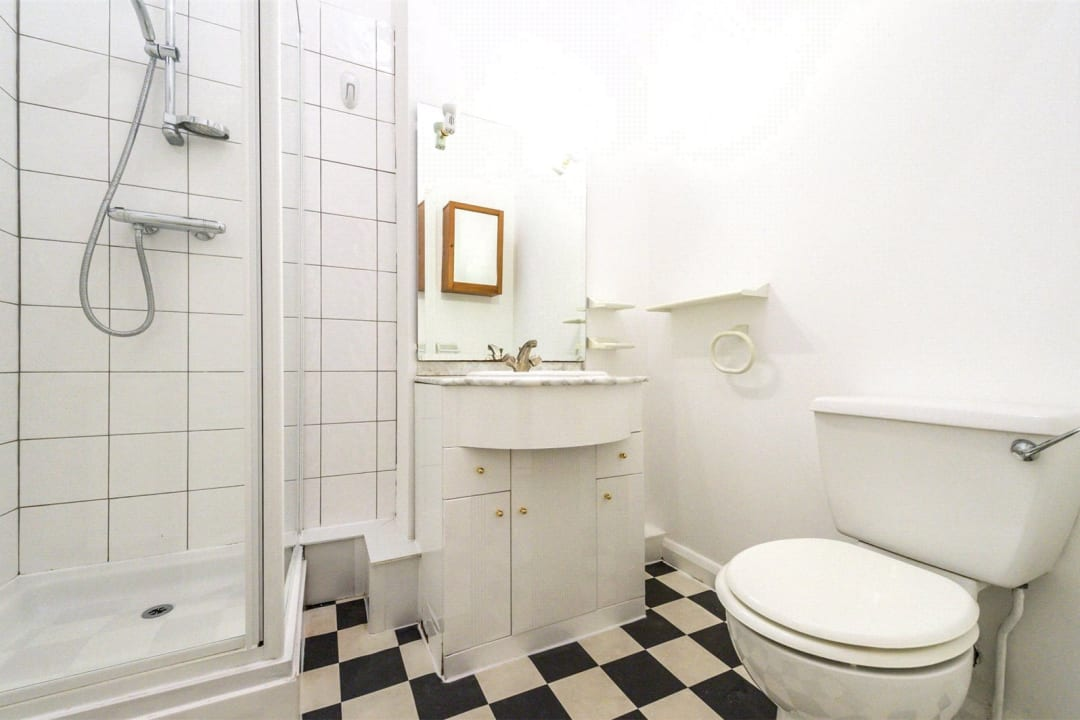 Flat to rent in Falcon Road, , SW11 2PG - view - 6