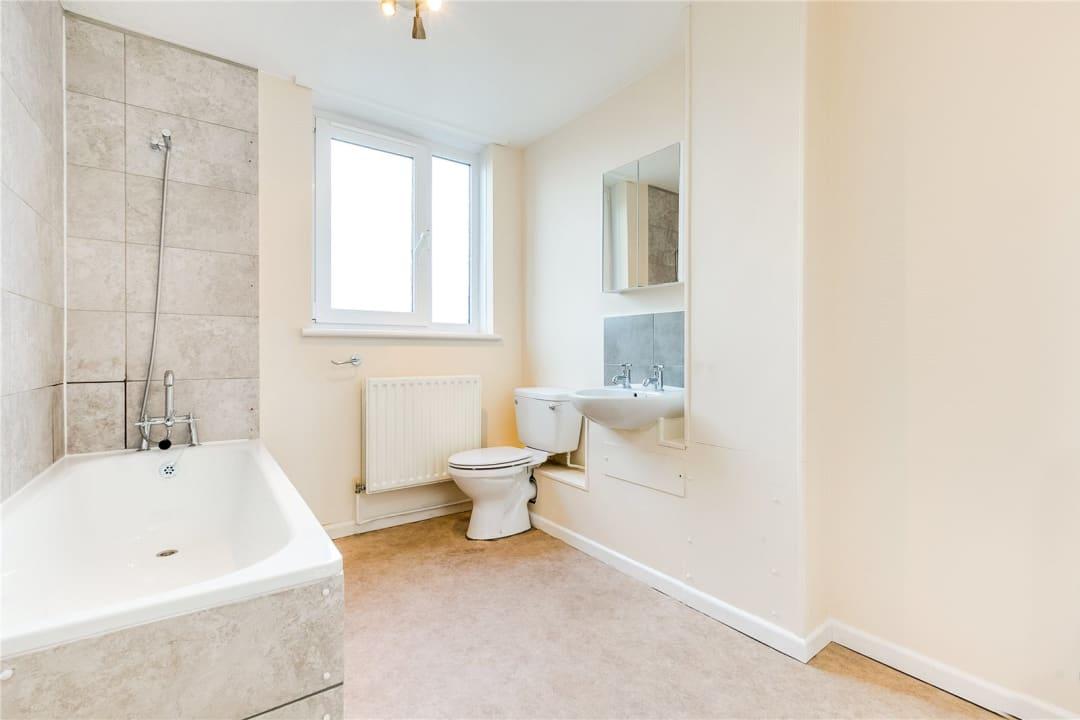 Flat to rent in Fraser Court, 50 Surrey Lane, SW11 3TF - view - 7
