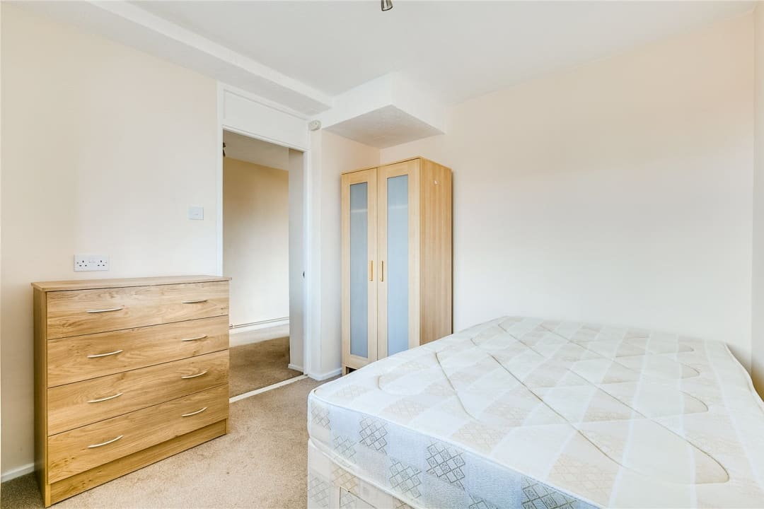 Flat to rent in Fraser Court, 50 Surrey Lane, SW11 3TF - view - 5