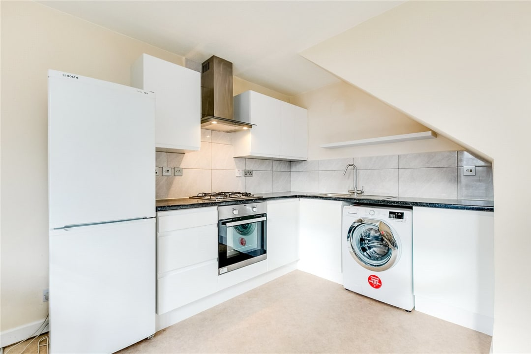 Flat to rent in Fraser Court, 50 Surrey Lane, SW11 3TF - view - 2
