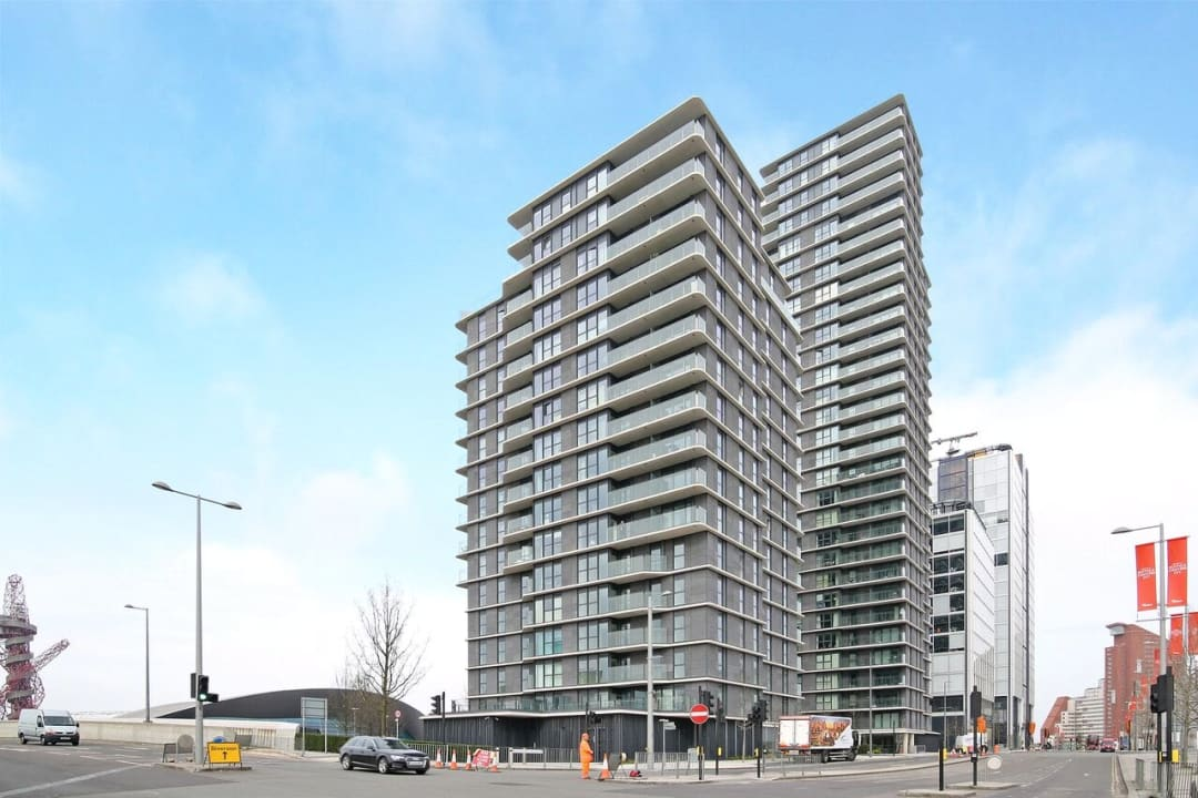 Flat to rent in Glasshouse Gardens, London, E20 1HR - view - 11