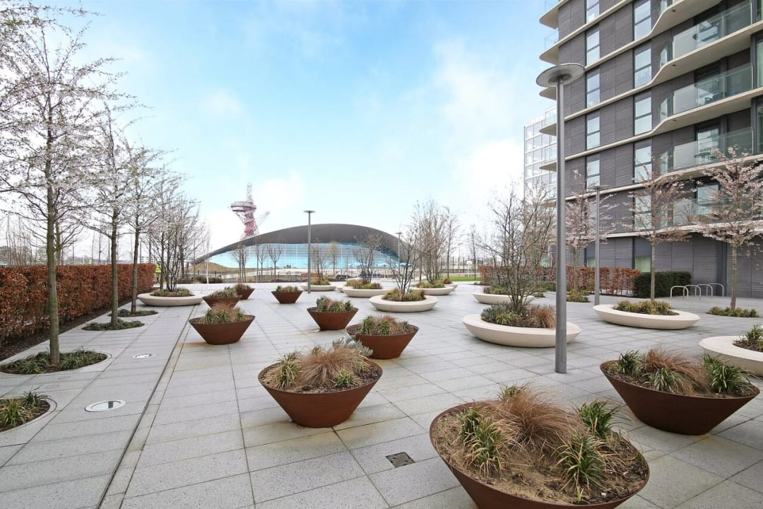 Flat to rent in Glasshouse Gardens, London, E20 1HR - view - 9