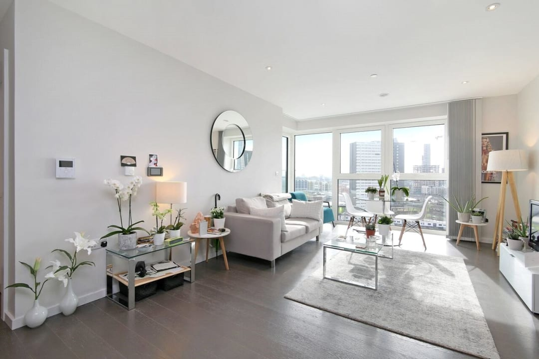 Flat to rent in Glasshouse Gardens, London, E20 1HR - view - 1