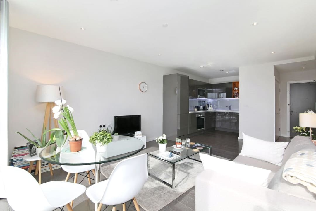 Flat to rent in Glasshouse Gardens, London, E20 1HR - view - 2