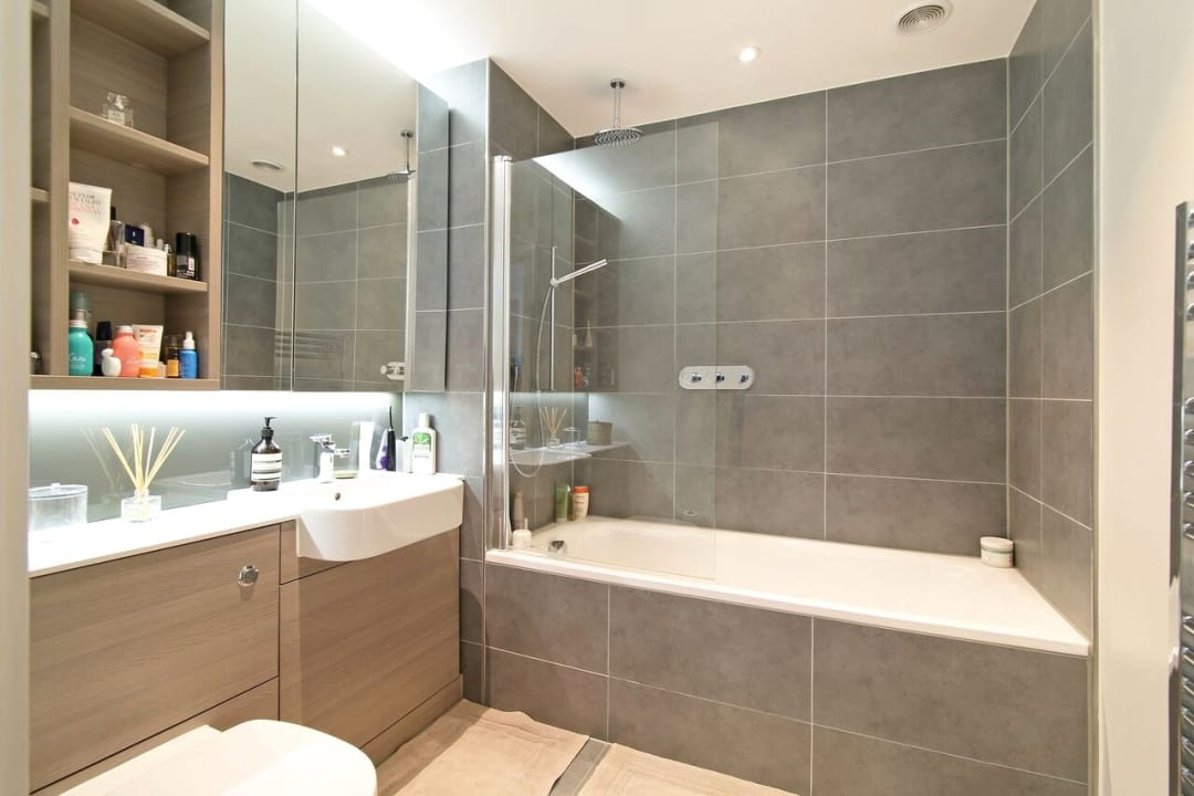 Flat to rent in Glasshouse Gardens, London, E20 1HR - view - 6