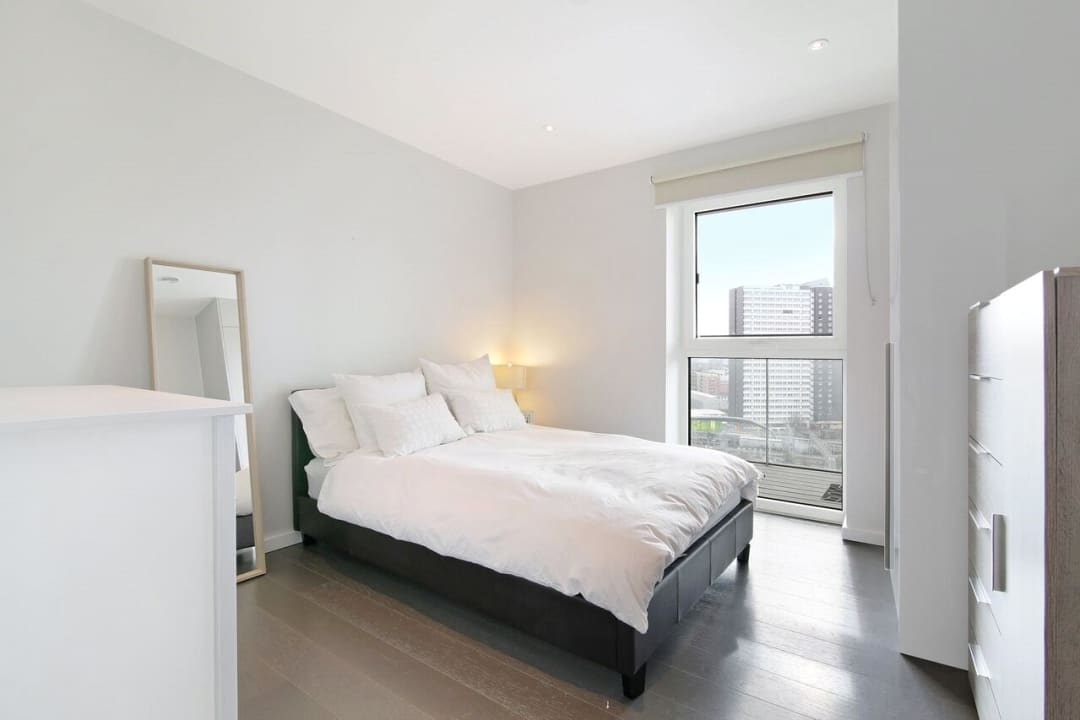 Flat to rent in Glasshouse Gardens, London, E20 1HR - view - 5