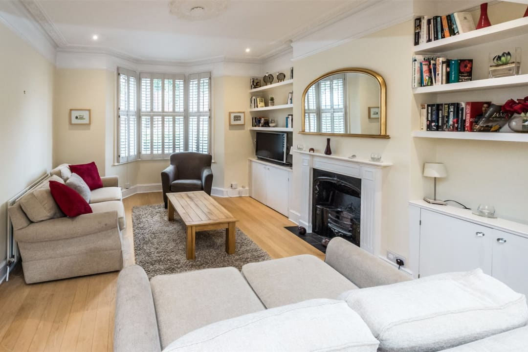 House to rent in Gowrie Road, London, SW11 5NR - view - 1