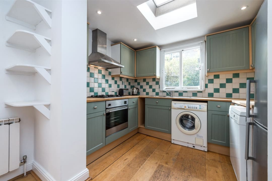 House to rent in Gowrie Road, London, SW11 5NR - view - 2