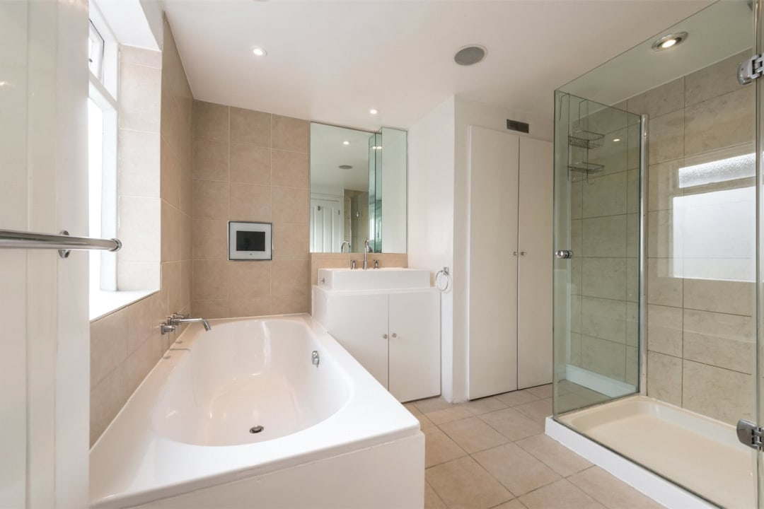 House to rent in Gowrie Road, London, SW11 5NR - view - 7
