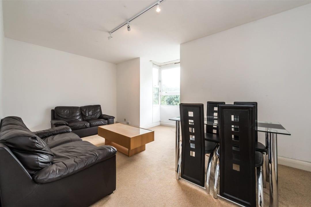 Flat to rent in Hawk House, Sullivan Close, SW11 2NN - view - 2