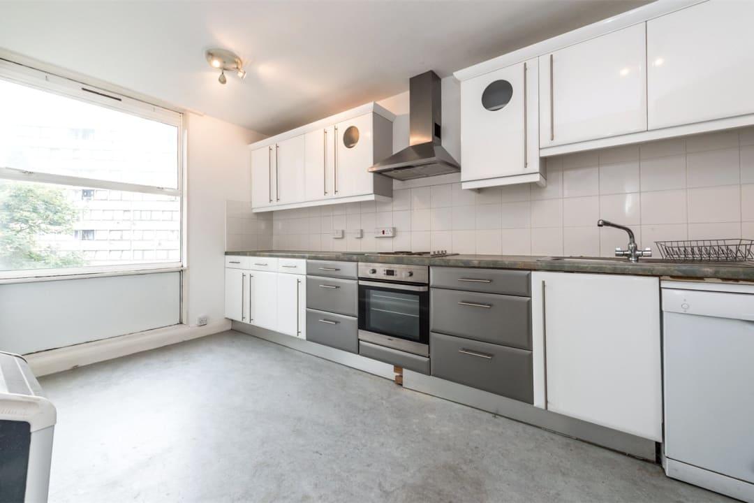 Flat to rent in Hawk House, Sullivan Close, SW11 2NN - view - 3