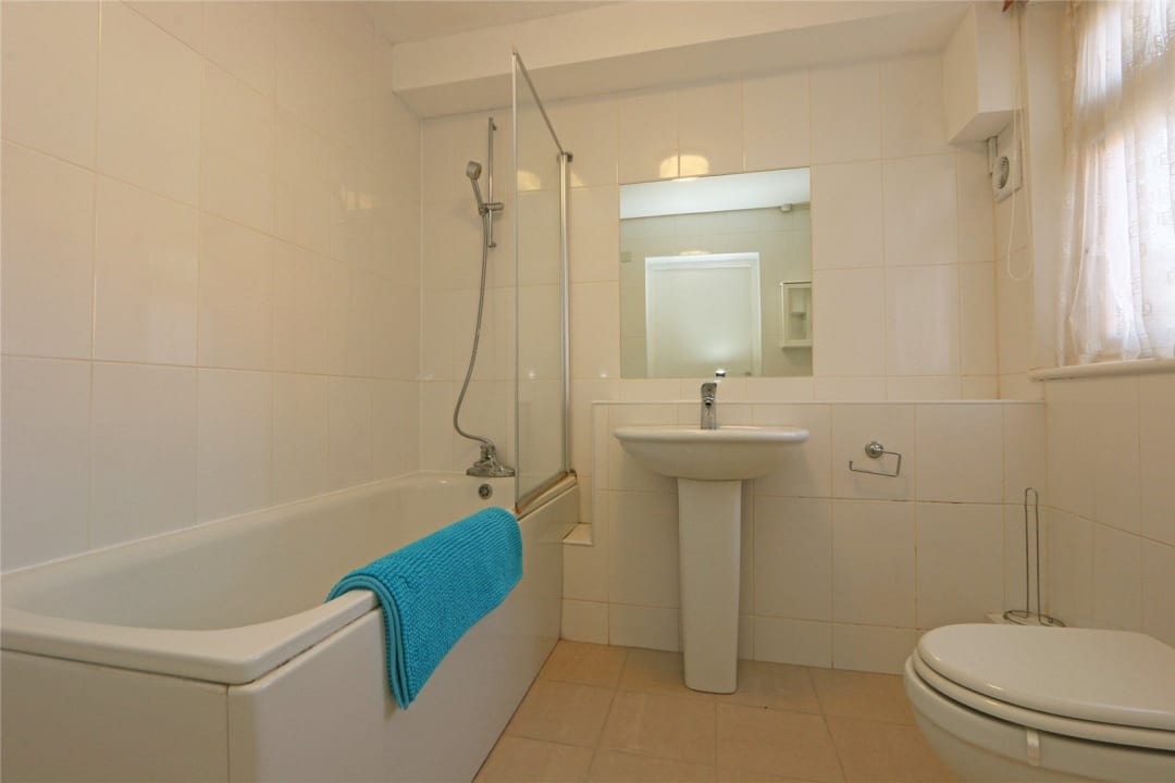 Flat to rent in Heath Road, London, SW8 3AR - view - 10