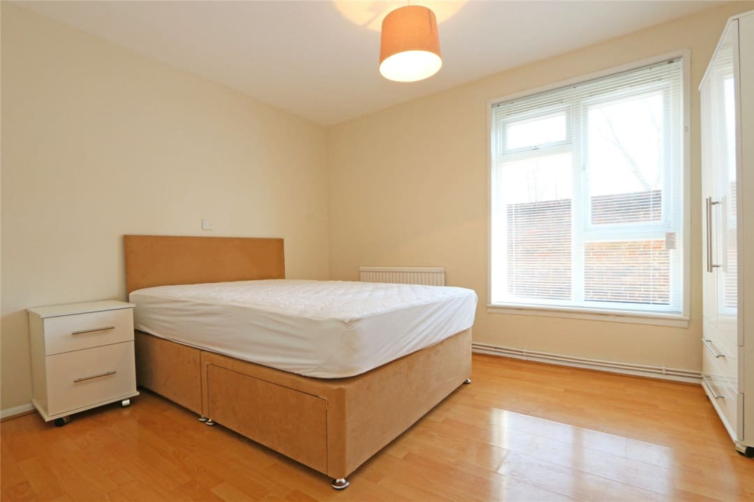 Flat to rent in Heath Road, London, SW8 3AR - view - 4