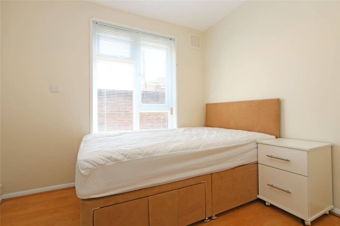 Flat to rent in Heath Road, London, SW8 3AR - view - 5