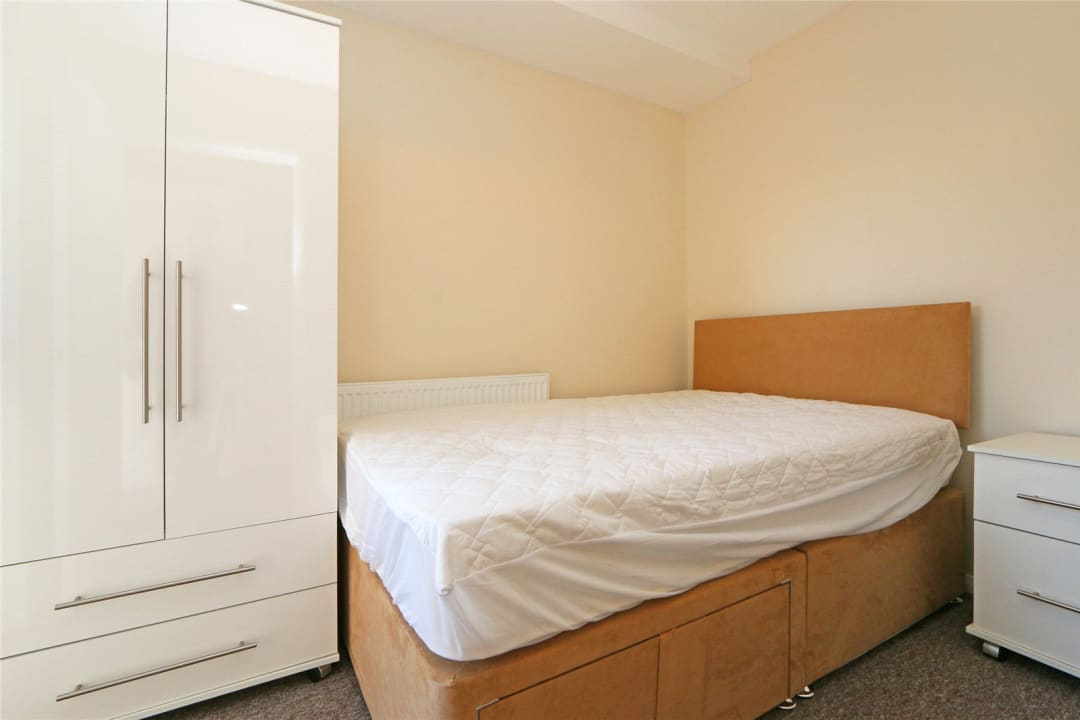 Flat to rent in Heath Road, London, SW8 3AR - view - 9
