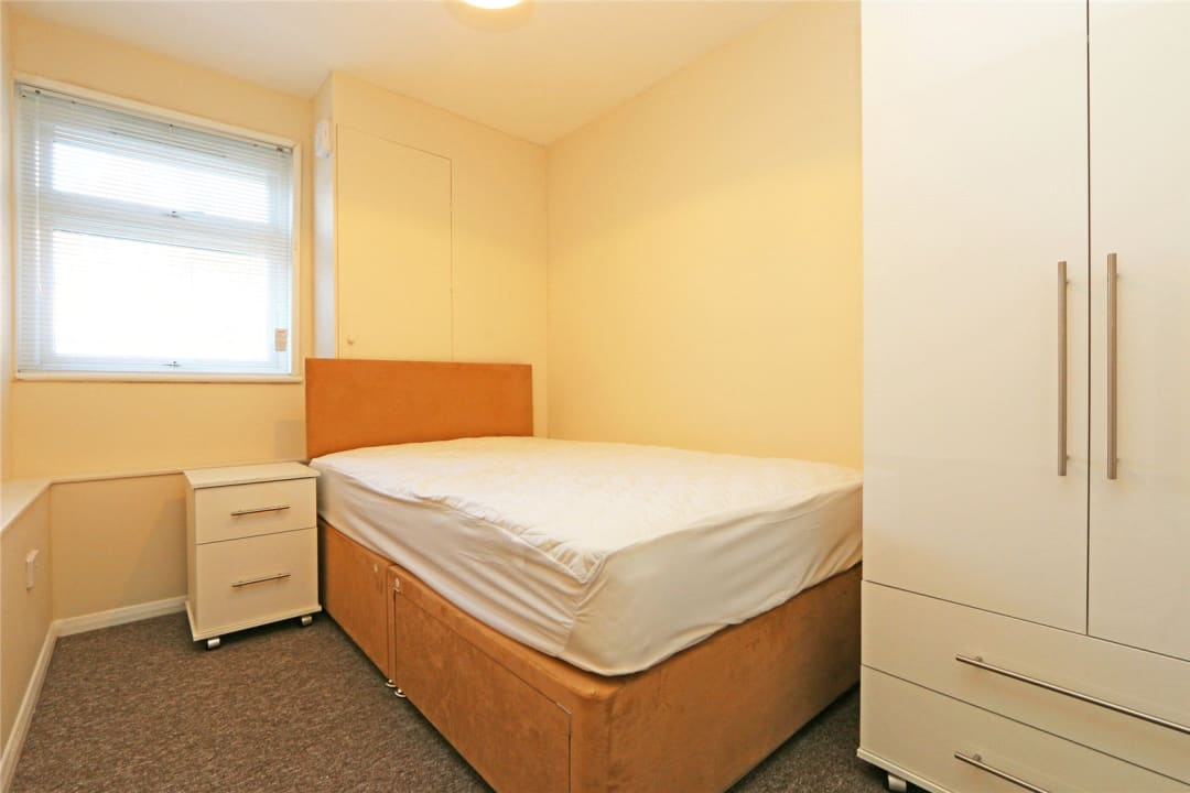 Flat to rent in Heath Road, London, SW8 3AR - view - 7